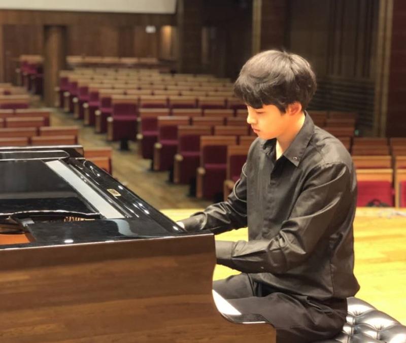 【刁溯-钢琴老师】