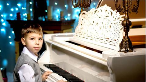 天津钢琴培训: 论连奏、非连奏及断奏中手腕的运用